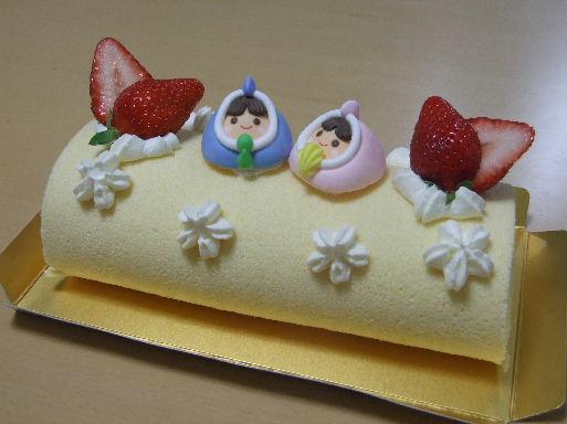おひなまつりレッスン苺ロール2011_0303.JPG