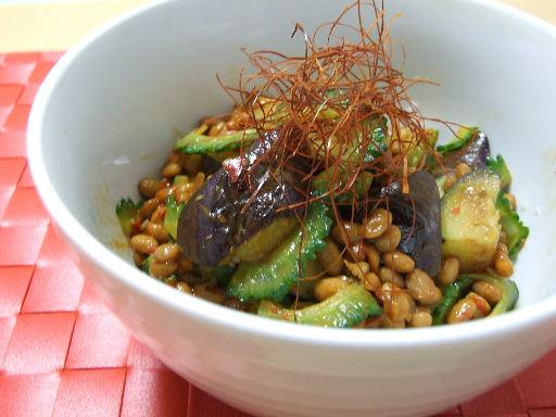 なすとゴーヤのピリ辛納豆丼2010_0819.JPG