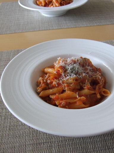 トマトソースのペンネ2011_0321.JPG