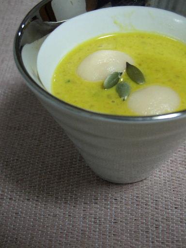 南瓜と豆腐白玉のメープル汁粉2010_1202.JPG