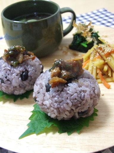 肉味噌黒豆ごはんとさつまいもきんぴら2010_1108.JPG